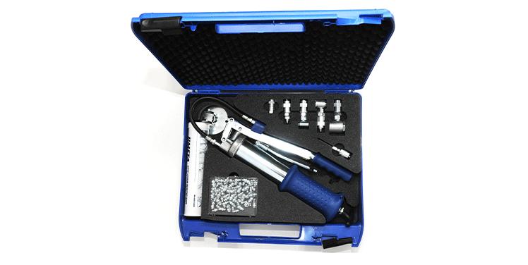 thumb_metalone__0000_Praktyczny-zestaw-(walizka)